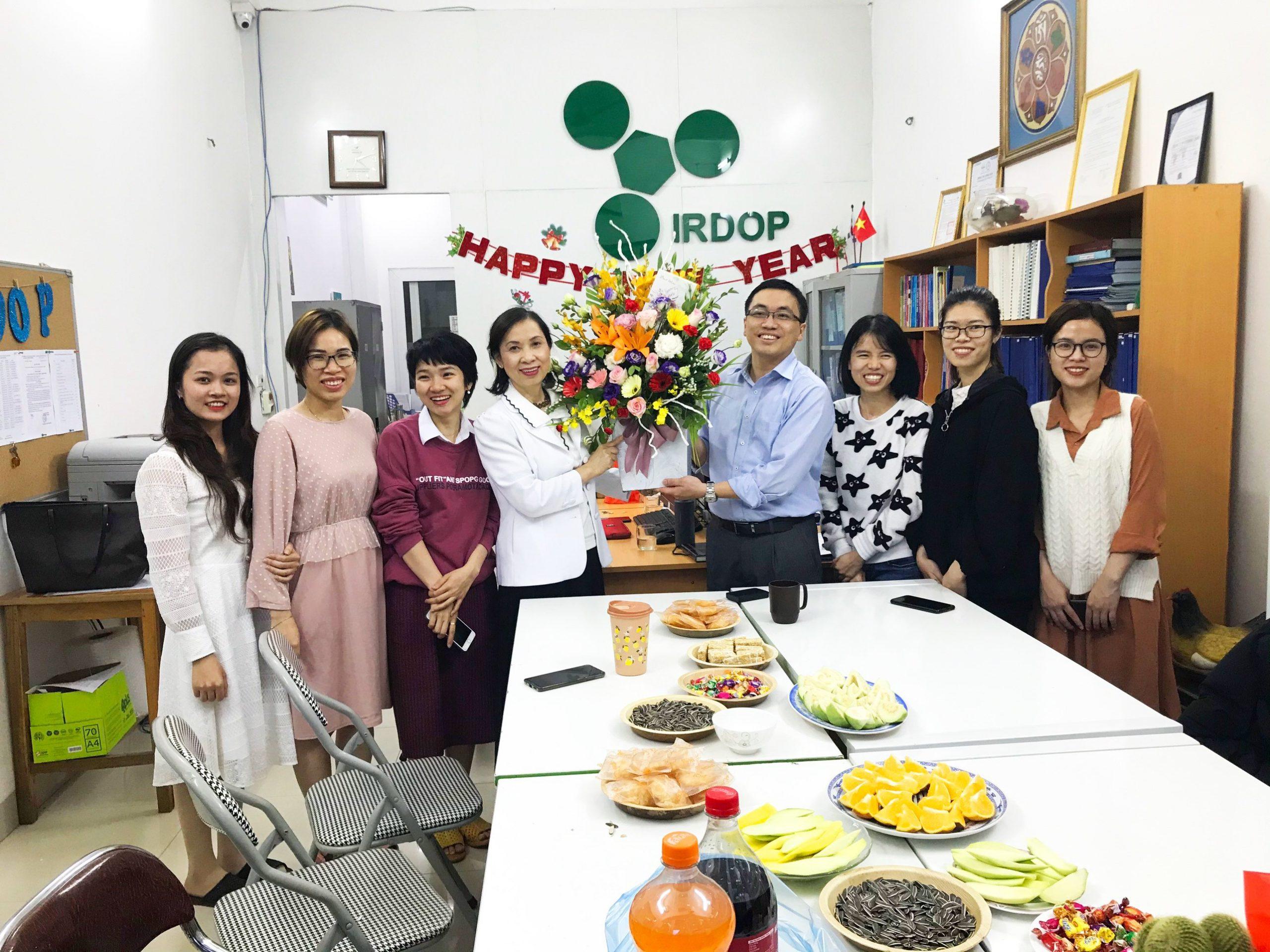 Lễ kỷ niệm Ngày Quốc tế Phụ nữ 8-3 tại Viện nghiên cứu và phát triển sản phẩm thiên nhiên